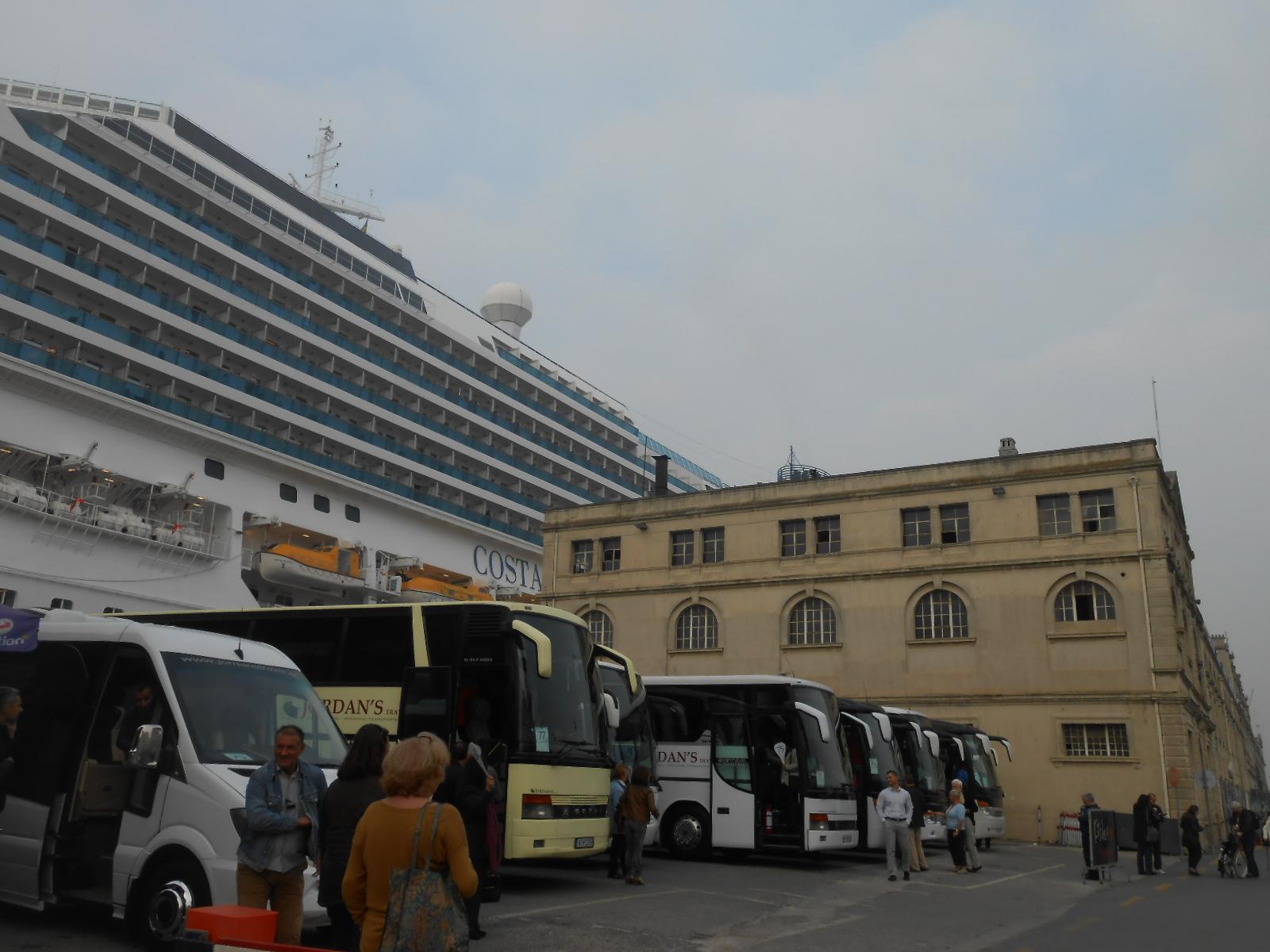 DSCN9858 buses
